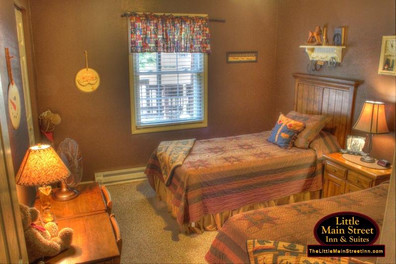 The Daniel Boone 2 Bedroom Suite Little Main Street Inn Suites Banner Elk Nc Hotel Style